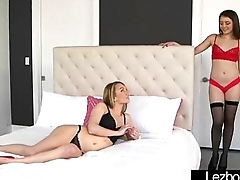 Lesbian Girls (Molly Mae &amp_ Kylie Quinn) Play With Their Bodies On Cam movie-21