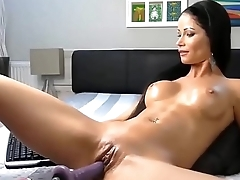 Milf does Camshow with machine and dildo - Dirtyyycams.com