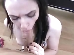 &iquest_Who is she? &iquest_Your name? - POV dreadlock