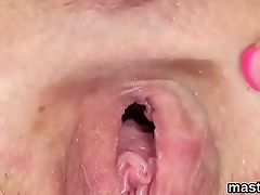 Sexy czech girl opens up her narrowed pussy to the extreme